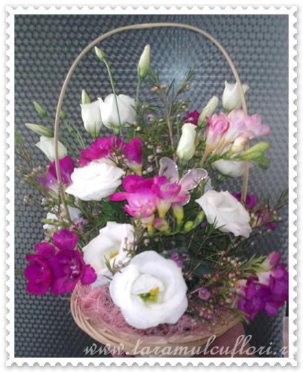 Cosuri cu flori din frezii si lisianthus.0264